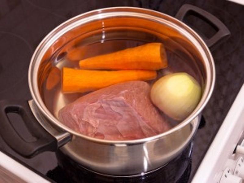 Мясо варить в холодной или горячей воде
