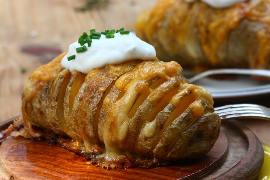 Запеченный картофель с сыром в духовке рецепт с фото пошагово