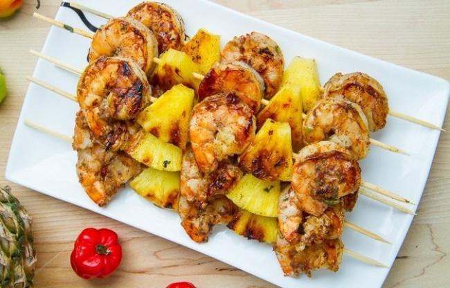 Рецепты из креветок и ананасов